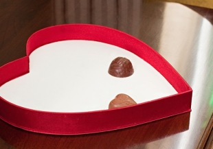 o-empty-chocolate-box-facebook